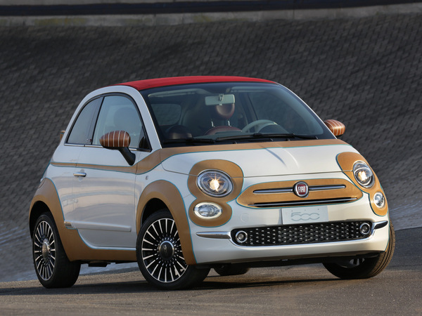 Fiat met aux enchères une 500C gainée de cuir pour une fondation