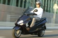 Scooter MBK 125 Skyliner : spécial duo