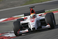 GP2 : Les deux premières d'Hamilton