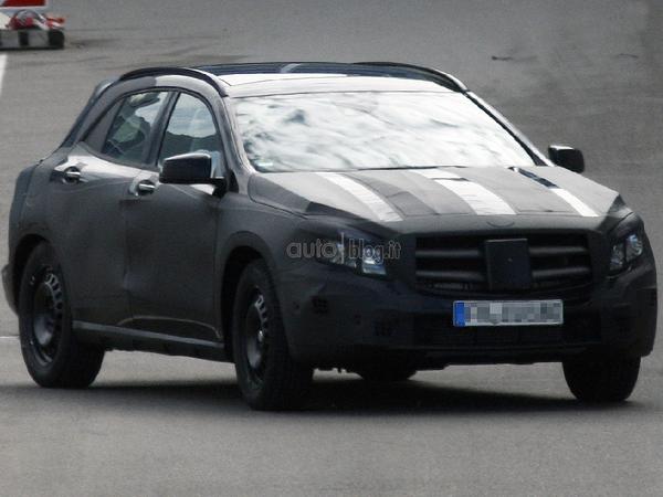 Surprise : Mercedes GLA, le crossover Classe A