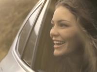 BMW publie une vidéo avec un X1 et des jeunes trentenaires