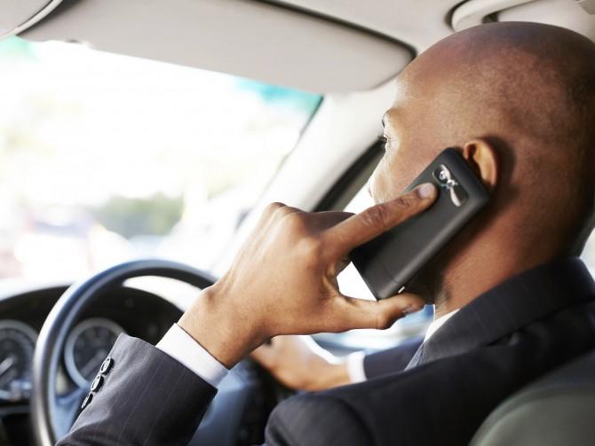 Téléphone au volant : les sanctions vont être renforcées