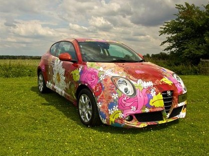 "Une Alfa Romeo MiTo ""simili art car"""