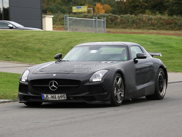 Surprise : la Mercedes SLS AMG Black Series de nouveau en balade