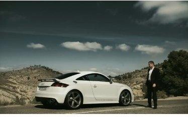 [vidéo] : Tom Kristensen en Audi TT-RS. Qui est le plus célèbre ?