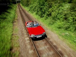 Top Gear : peut-on transformer une voiture en train ?