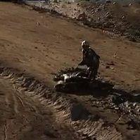 Vidéo - Dakar 2012 : Cyril Desprès pique une tête !
