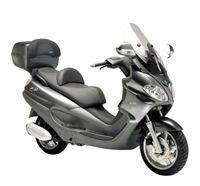 Scooter Piaggio X9 EVO 250 : il vise le compromis parfait