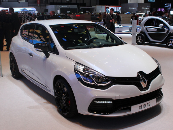Vidéo en direct de Genève 2014 - Renault Clio RS200 edc Monaco : limité