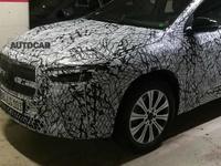 Mercedes : l'EQA, la première compacte électrique, se montre