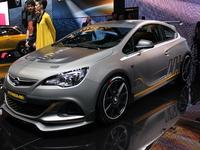 Vidéo en direct de Genève 2014 - Opel Astra OPC Extreme :  future reine du Nürburgring ?
