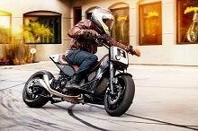 Actualité Scooter - Yamaha: Quand Roland Sands fait du TMax un Supermotard