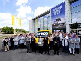 Le 100000e utilitaire est sorti de l'usine SoVAB de Renault