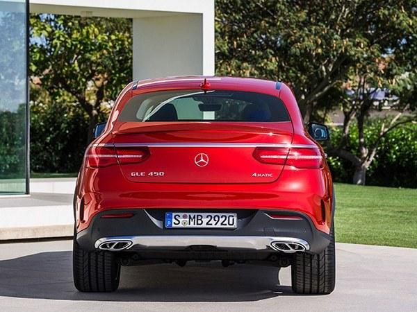 """Le pick-up de Mercedes sera """"premium"""""""