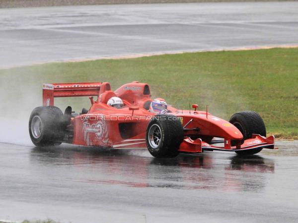 Une Ferrari F1 pour 3!