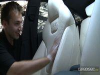 Vidéo Mondial de l'auto 2012 – Dans les coulisses des stands: Audi et Trigano