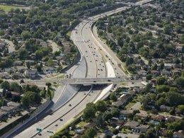 Une autoroute urbaine québécoise va accueillir les transports en commun