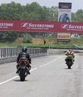 Débuter en circuit Moto : Lancez-vous !