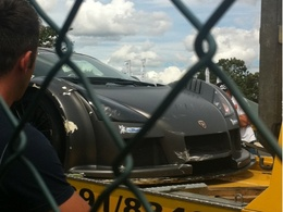 Ring Folies : Adrian Sutil crashe une Gumpert Apollo