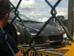 Ring Folies : Adrian Sutil crashe une Gumpert Apollo