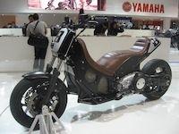En direct de Milan : le Yamaha T-Max revisité par Roland Sands