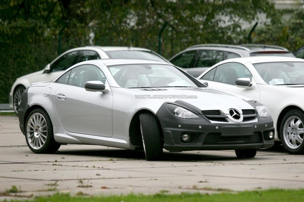 Future Mercedes SLK Phase 2 : pérennité du nez