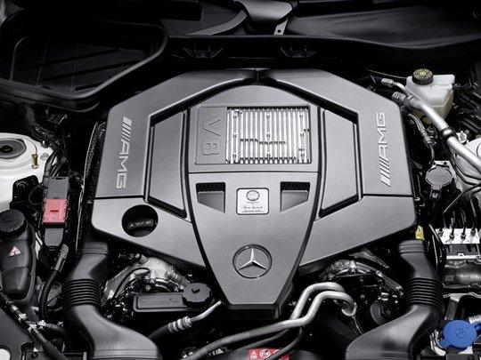 La future Mercedes SLK 55 AMG aura droit au nouveau V8 mais sans turbo