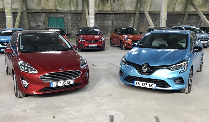 Renault Clio 5 vs Ford Fiesta 6 : les généralistes - Salon de l'Auto Caradisiac 2020
