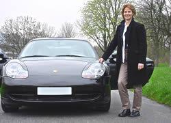 """""""J'ai exaucé mon rêve : conduire une   Porsche 911 Carrera 4"""""""