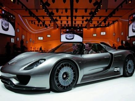 Ring Folies : 7 minutes et 20 secondes sur la Nordschleife pour la Porsche 918 Spyder ?