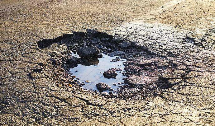 Bientôt des drones pour réparer les routes ?