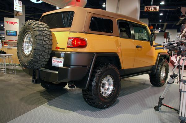 SEMA Show : Toyota FJ Cruiser Convertible