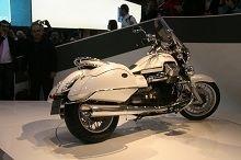 Actualité moto - En direct du Salon de Milan: La nouvelle Moto Guzzi California a l'électronique dernier cri