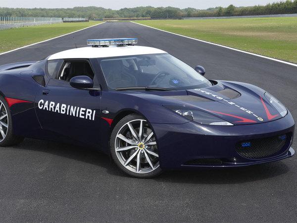 Lotus Evora S : en photo, le nouveau jouet de la police italienne