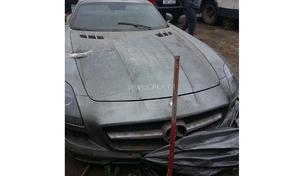 Une Mercedes SLS AMG abandonnée saisie par la police russe