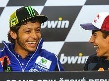 Moto GP - Vidéo: Valentino Rossi n'est pas resté de glace face au Ice Bucket Challenge