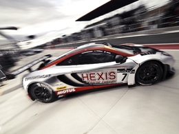Week-end-de-course-Hexis-et-McLaren-si-mposent-pour-la-finale-des-Blancpain-Endurance-Series-81802.jpg