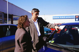 Boom des ventes de véhicules neufs en mars