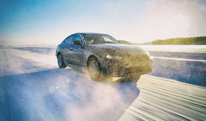 BMW annonce 600 km d'autonomie pour l'i4