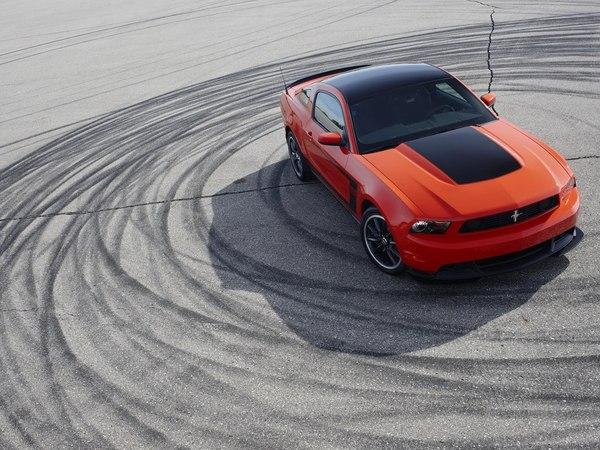 Ford Mustang Boss 302 : elle veut battre la BMW M3