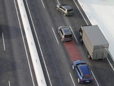 Volkswagen met en série le freinage automatique