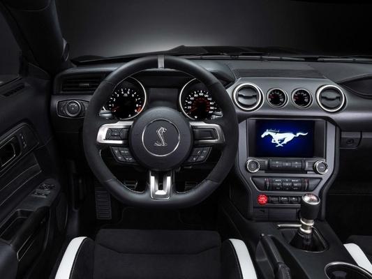 Vidéo : installez-vous au volant de la Shelby GT350R