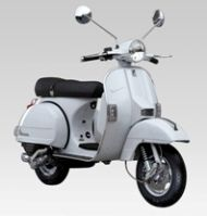 Scooter Piaggio Vespa 125 PX, dans la plus pure tradition italienne
