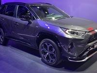Le Toyota RAV4 reçoit une motorisation hybride rechargeable