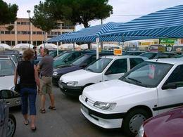 Vente de voitures neuves, la chute continue