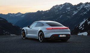 Porsche doit reporter de 10 semaines le lancement de la Taycan