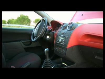 Ford Fiesta 2006 : la fête est à l'intérieur