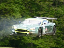Aston Martin DBR9... volante !