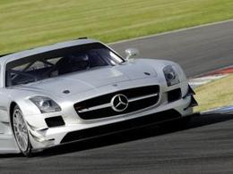 Deux Mercedes SLS AMG au depart des 24 Heures de Dubai. Et peut-être la Porsche 911 GT3 R Hybride?