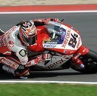 Superbike - Magny Cours D.1: Fabrizio pour la dernière de Ducati